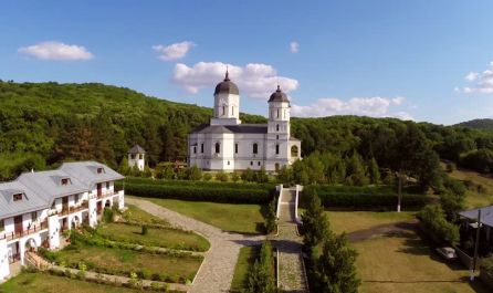 ▷Екскурзия манастирите на Северна Добруджа в Румъния