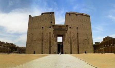 Египет от А до Я - полет от София и кацане в Кайро